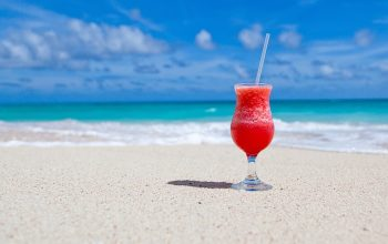 daiquiri on a beach